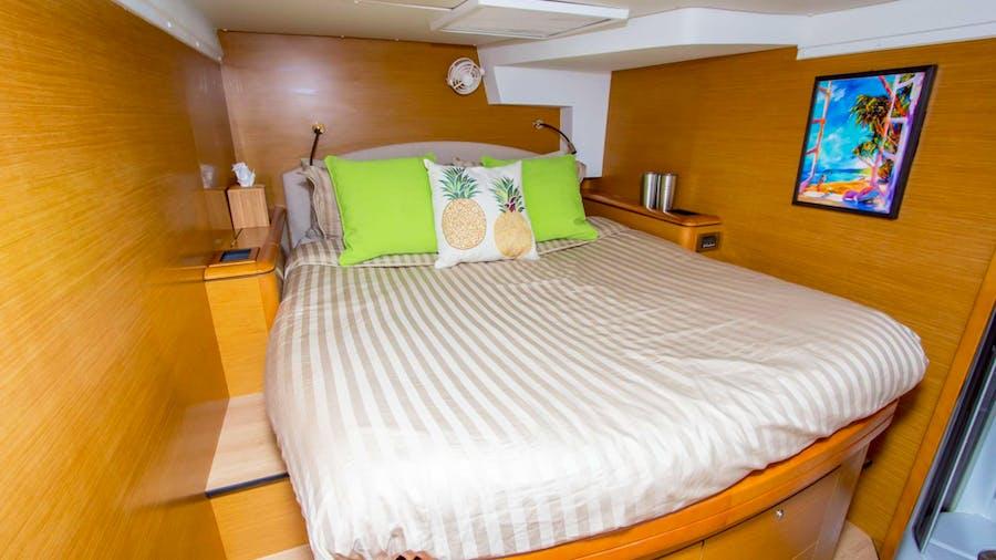 AZURIA Yacht