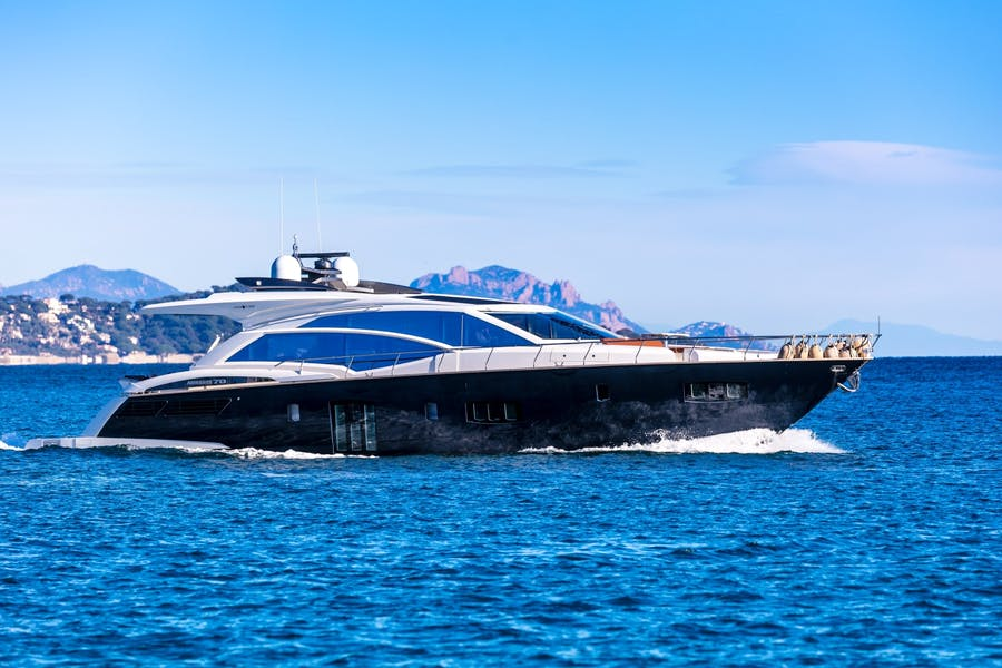 Features for OCEAN TIGER Private Luxury Yacht For sale