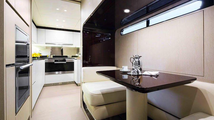 30M AZIMUT  Yacht