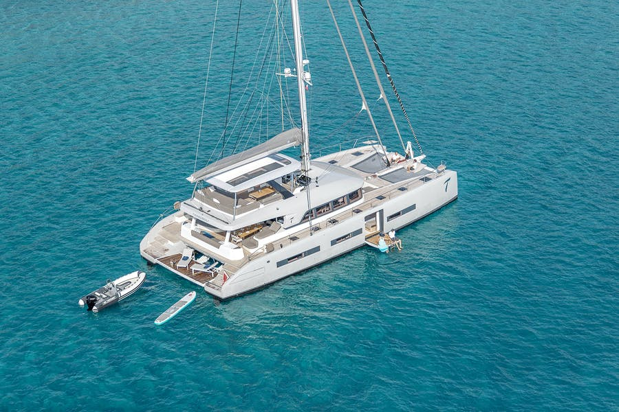 Seasonal Rates for THUNDERBOLT Private Luxury Yacht For Charter