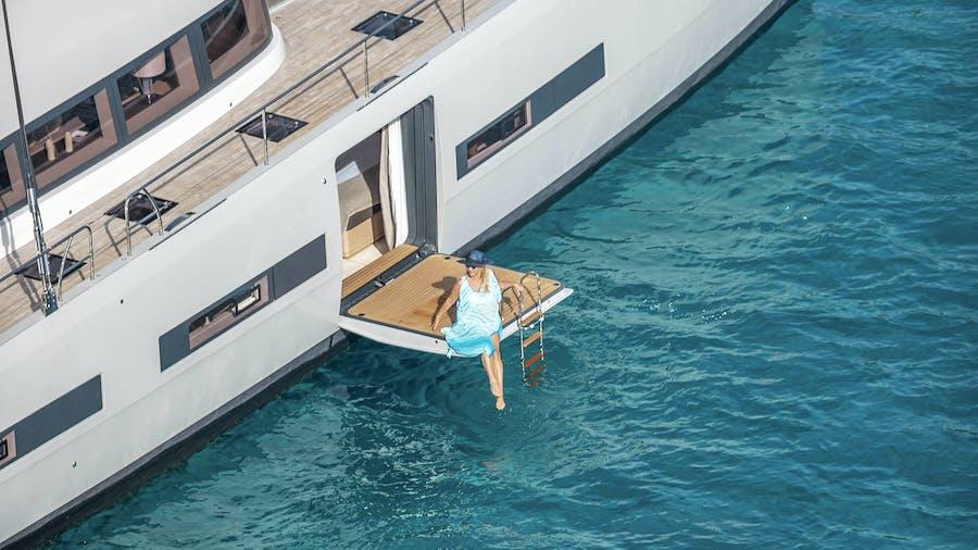 THUNDERBOLT Yacht