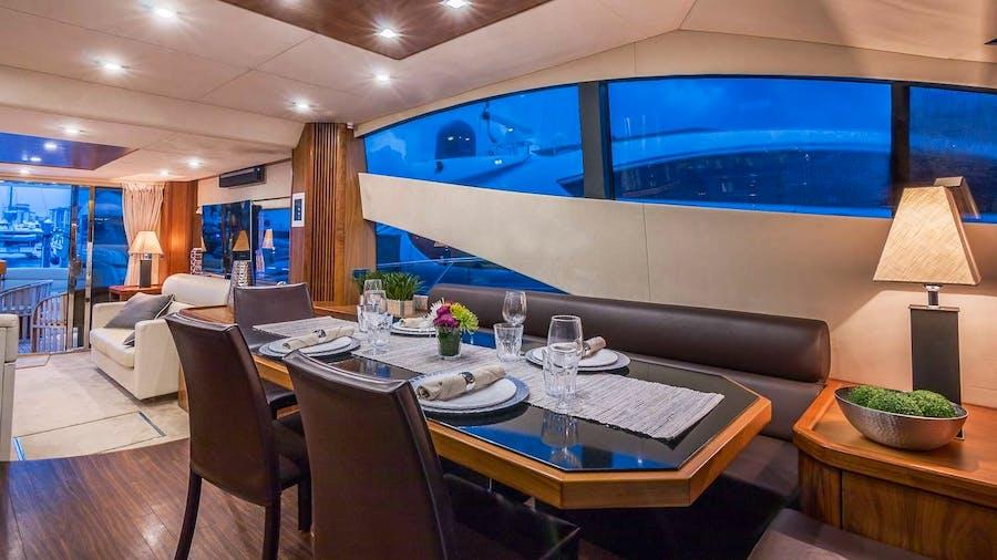 TWINS Yacht