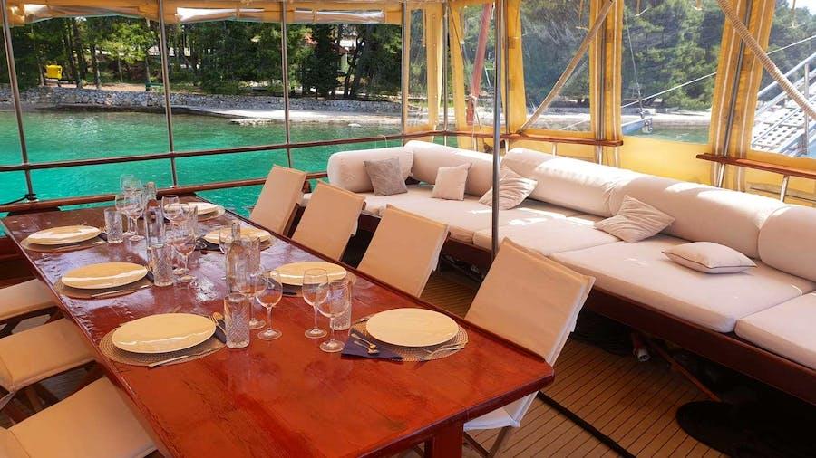 Eleganza Yacht