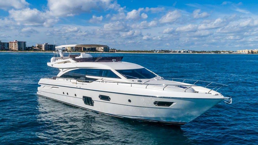 Lindy Lou Yacht
