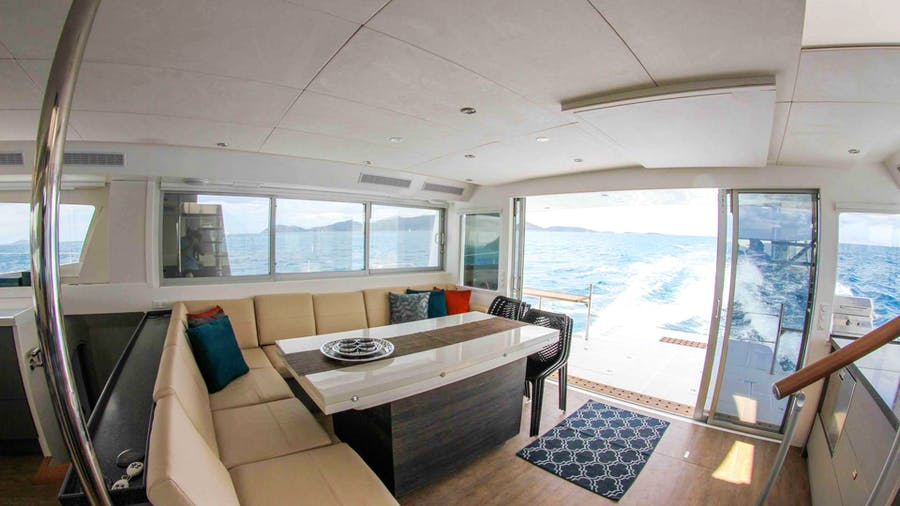 VOYAGE 650 Power Cat Yacht