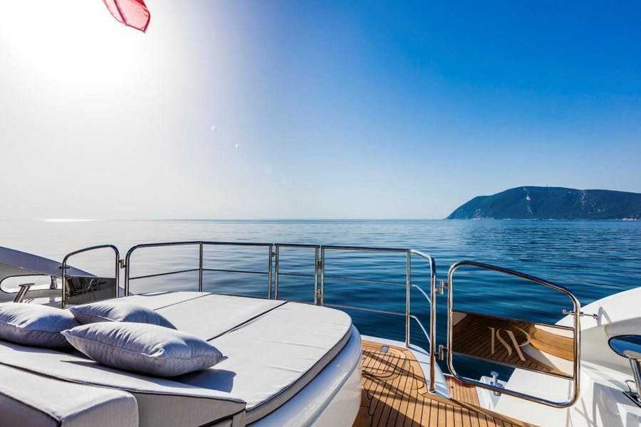 Features for CLORINDA Private Luxury Yacht For sale