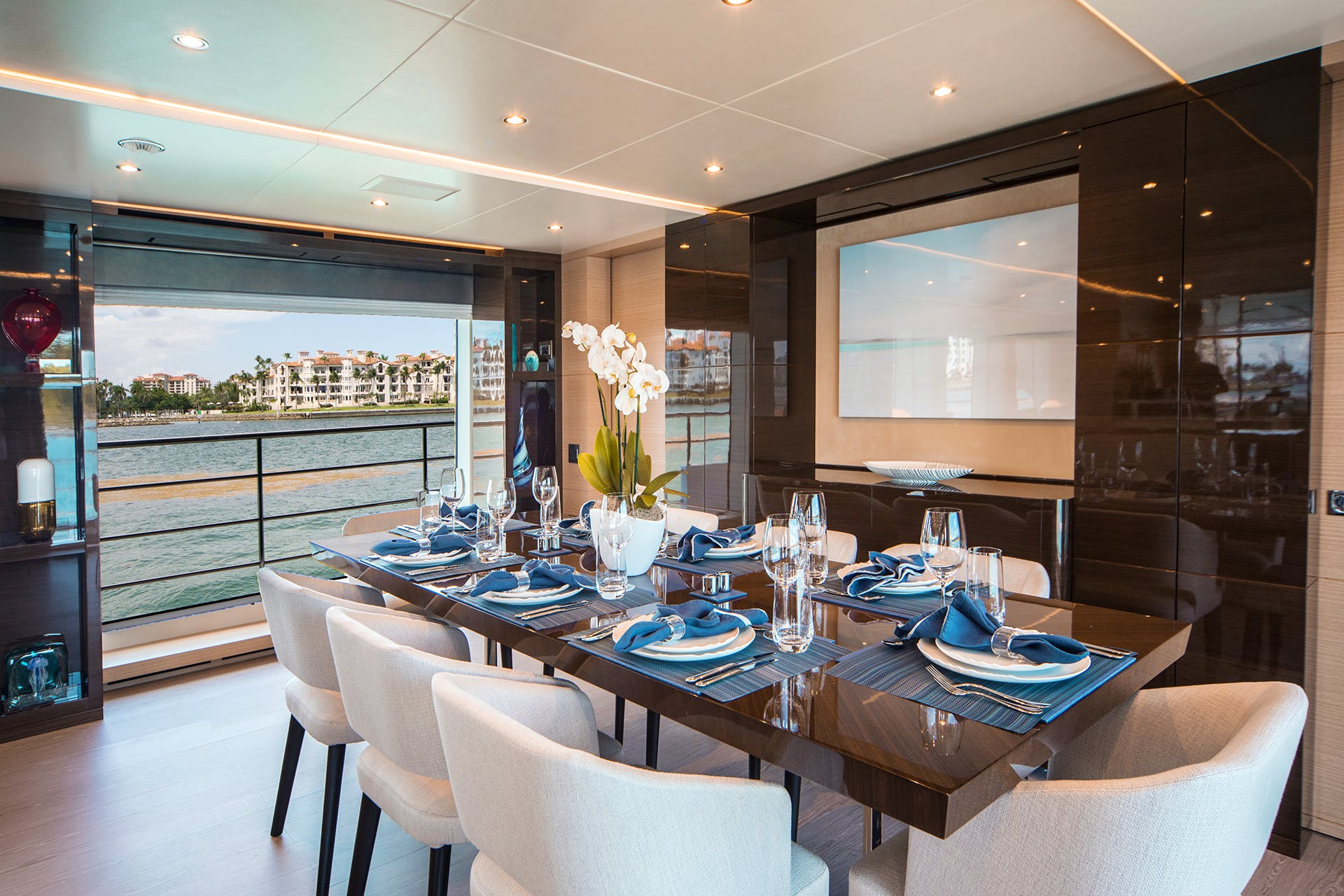 Seasonal Rates for WABASH Private Luxury Yacht For Charter