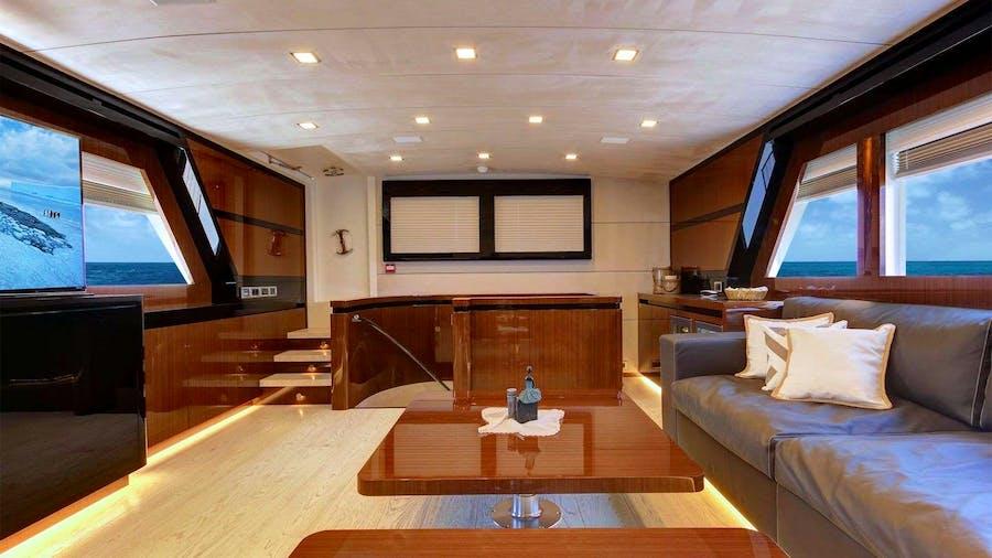 MOSS Yacht