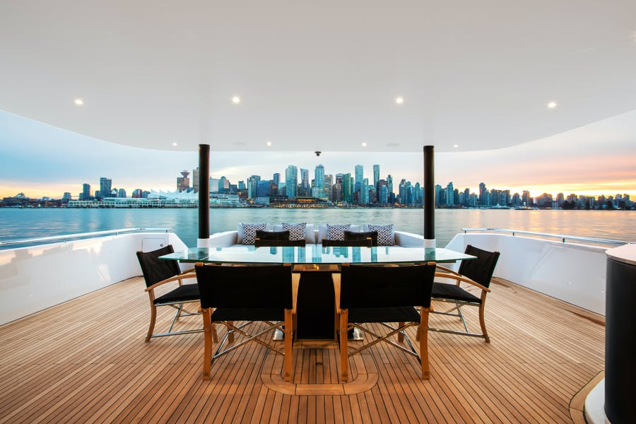 Features for CRESCENT 117 Private Luxury Yacht For sale