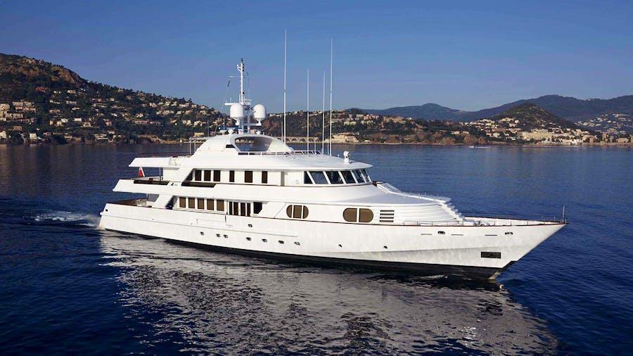 AZUL V  Yacht