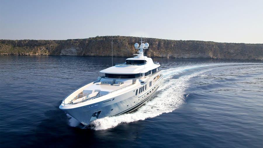 AMELS 220 Yacht