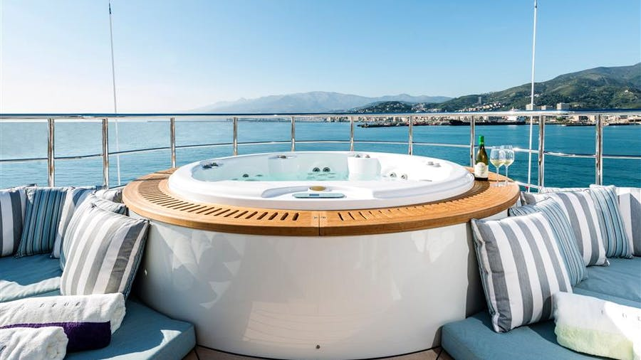 I NOVA Yacht