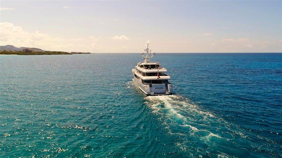 APOGEE Yacht