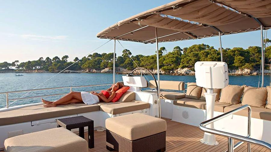 DREAM ROQUES Yacht