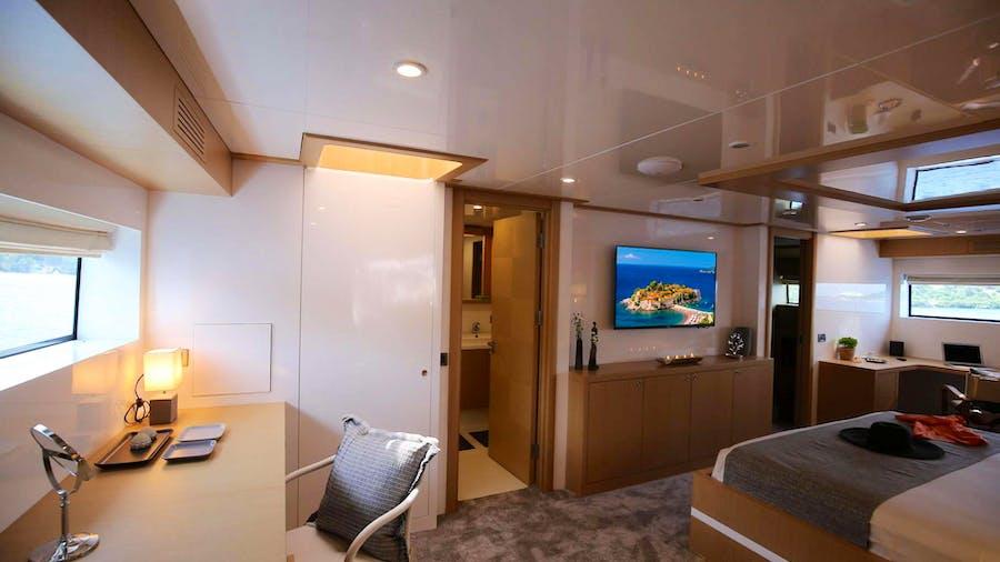 OTTAWA IV Yacht