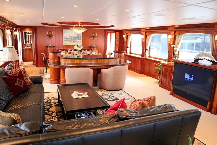 Features for ELIZABETH Private Luxury Yacht For sale
