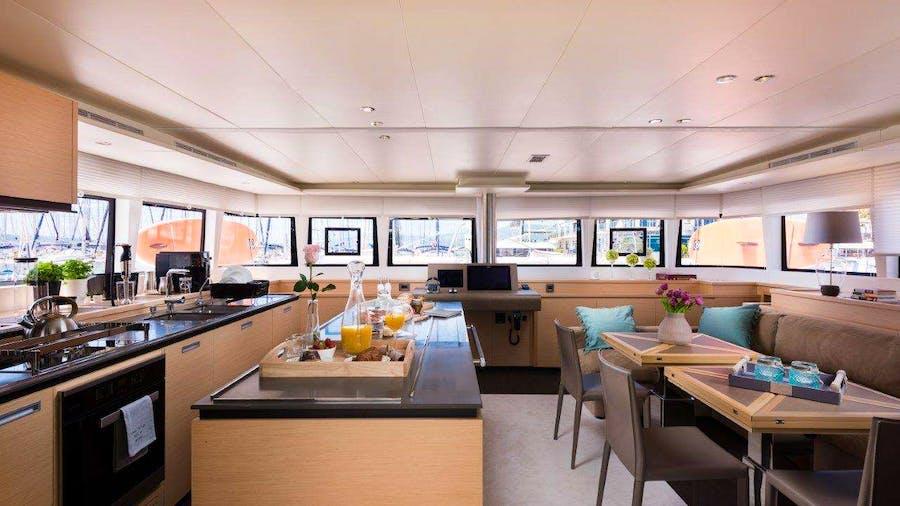 OPAL (Lagoon 620) Yacht
