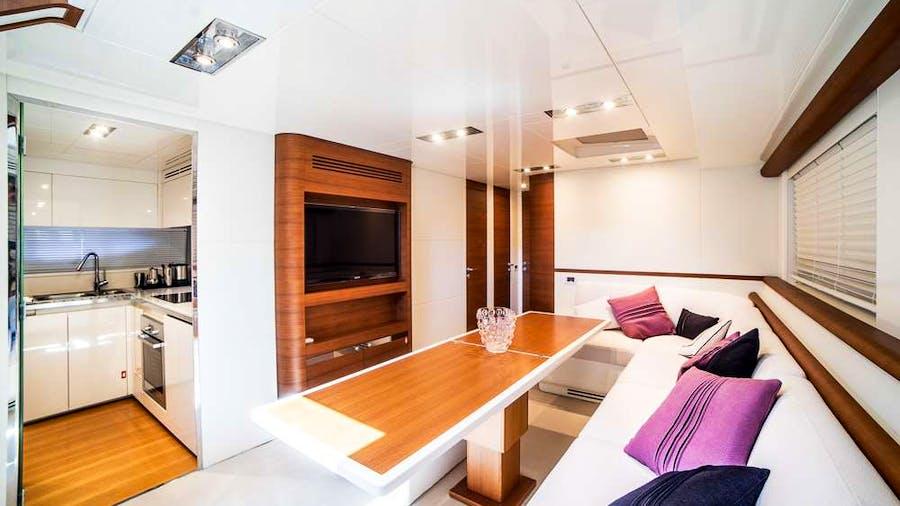 Itama 75 Yacht