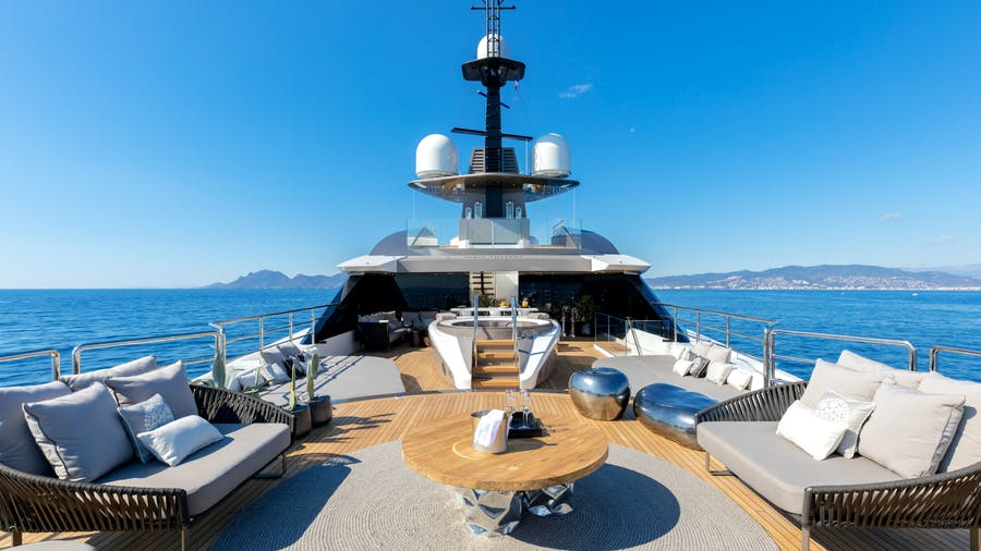 SOLO Yacht