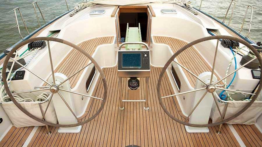 Giove Yacht