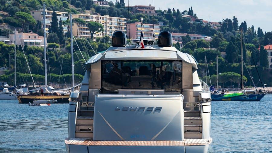 LOUNOR Yacht