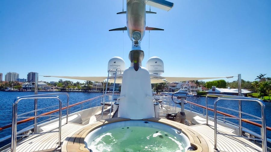 KAOS Yacht