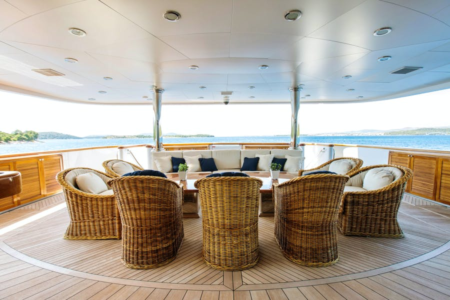 Details for MUSTIQUE Private Luxury Yacht For sale