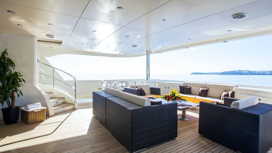 DYNASTY Yacht