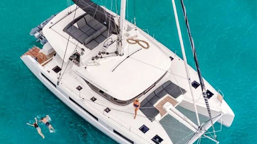 NOMAD II Yacht