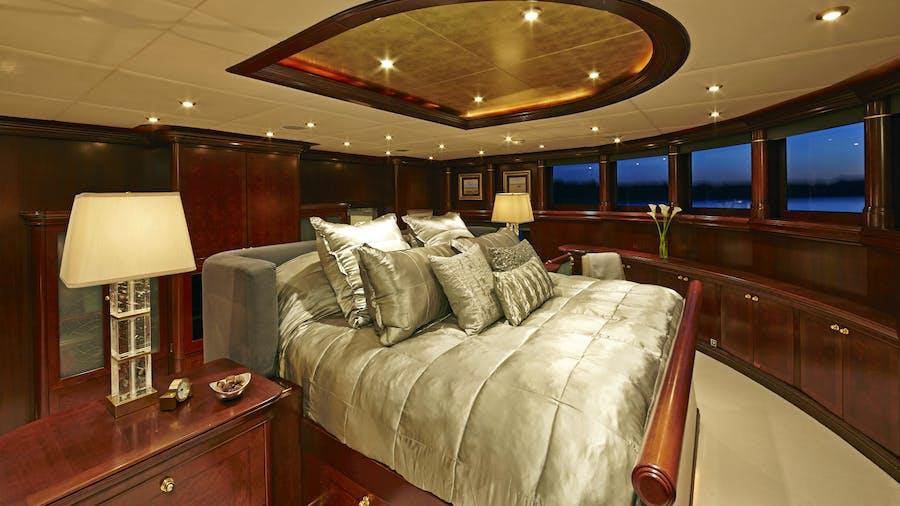 ZOOM ZOOM ZOOM Yacht