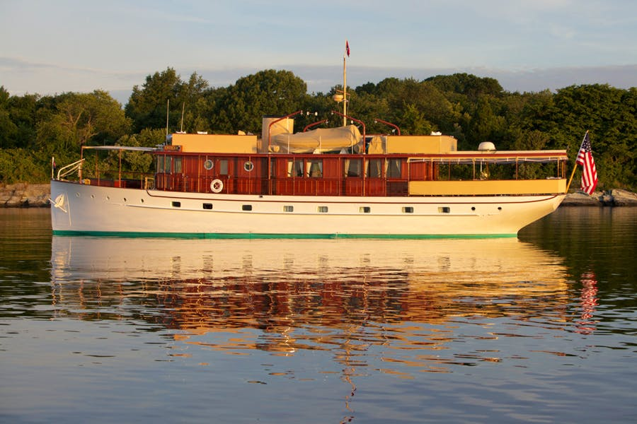 Features for ENTICER Private Luxury Yacht For sale