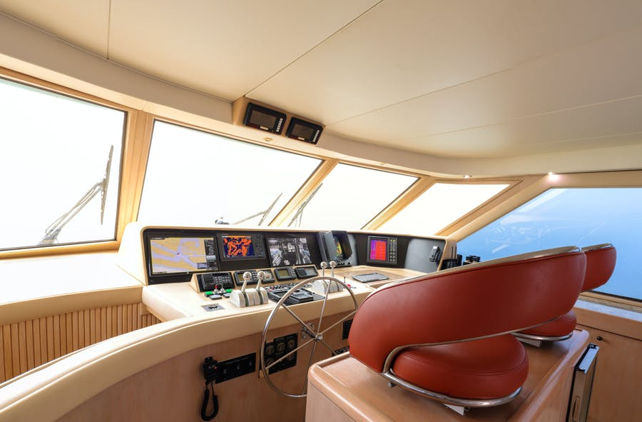 Features for LADY LILA Private Luxury Yacht For sale