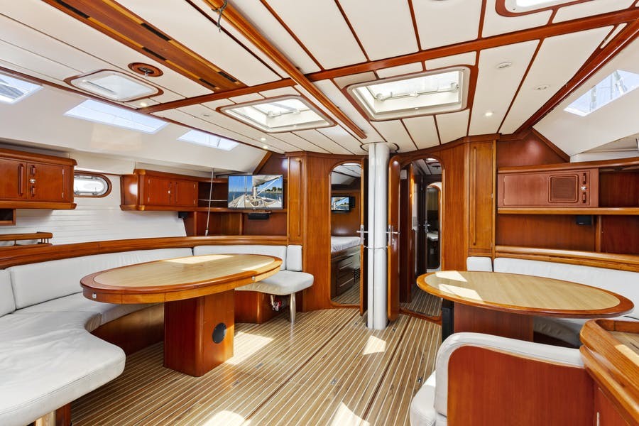 Features for MAYERO Private Luxury Yacht For sale