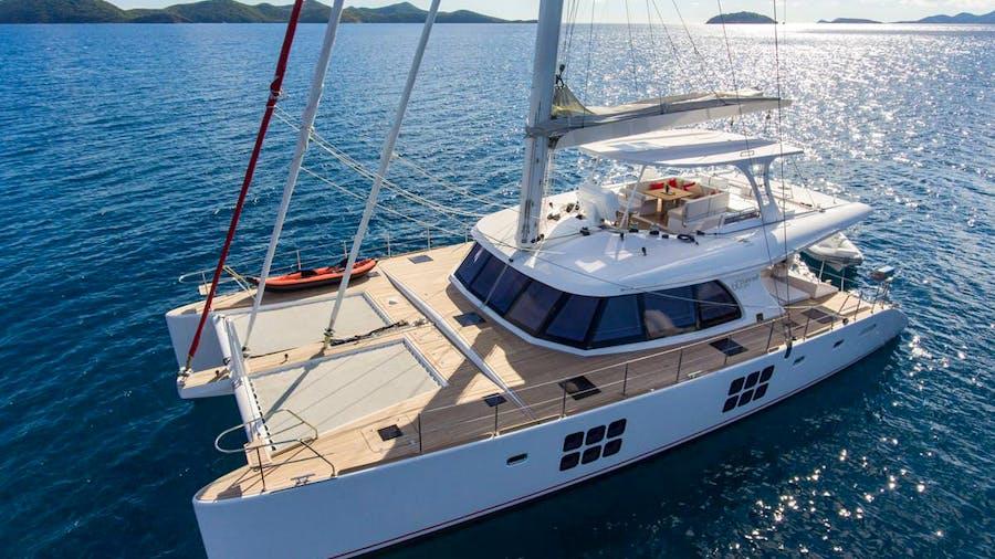 EUPHORIA 60 Yacht