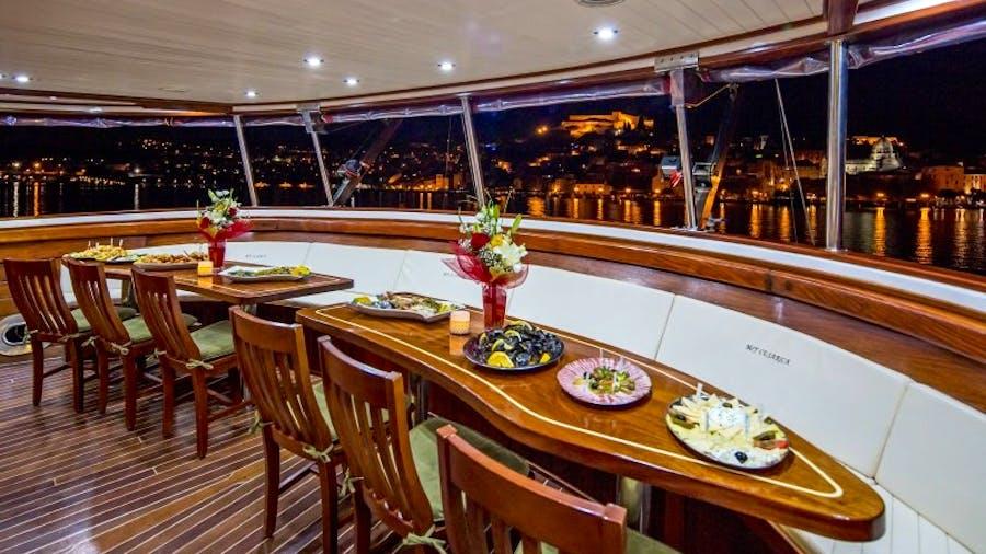 CESARICA Yacht