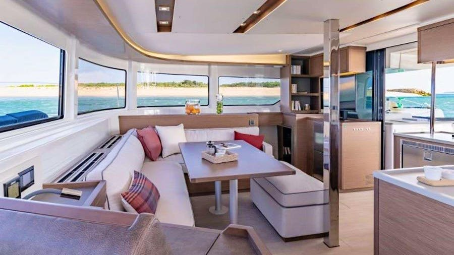 KING VIVI Yacht