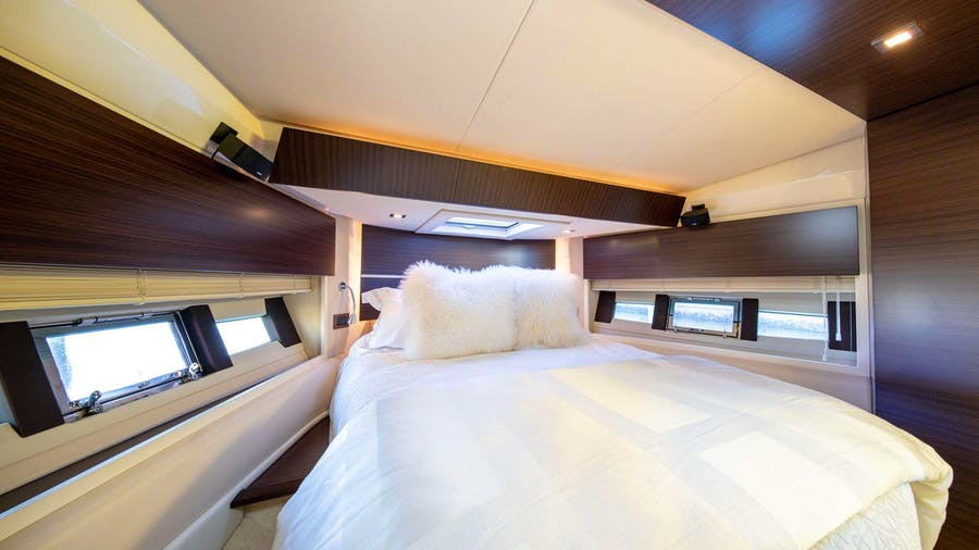 TINA Yacht
