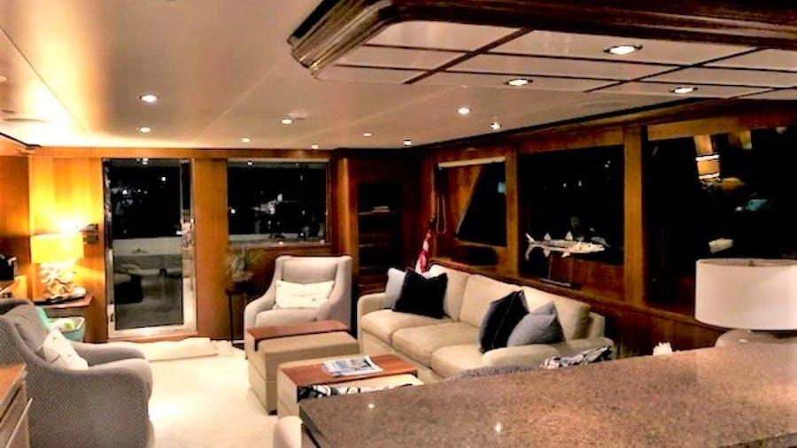 DARK HORSE Yacht