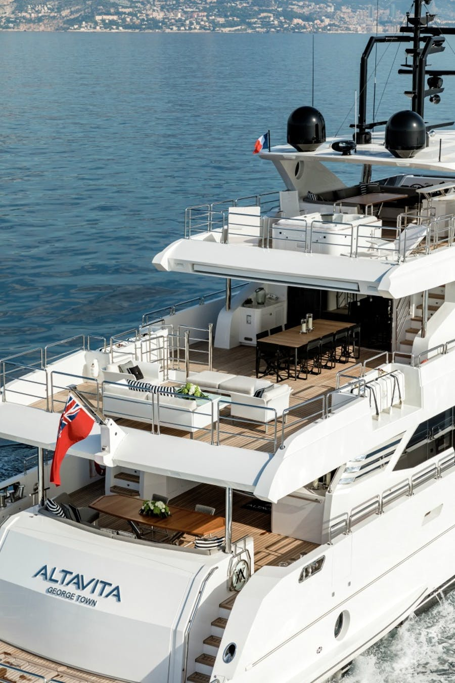 Features for ALTAVITA Private Luxury Yacht For sale