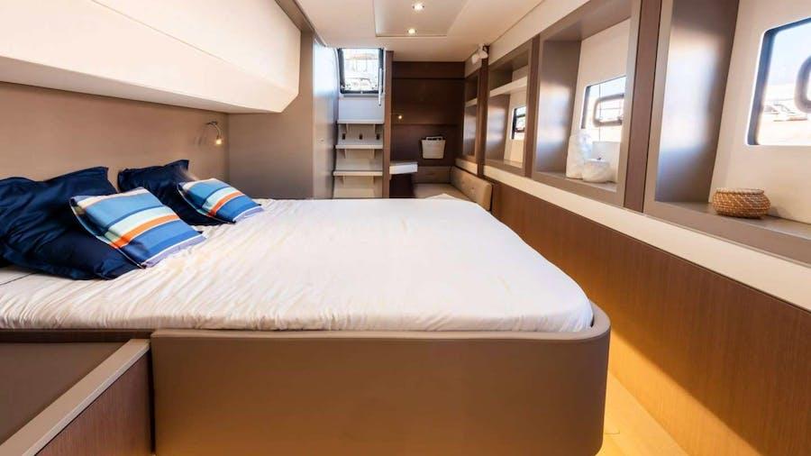 AMURA Yacht