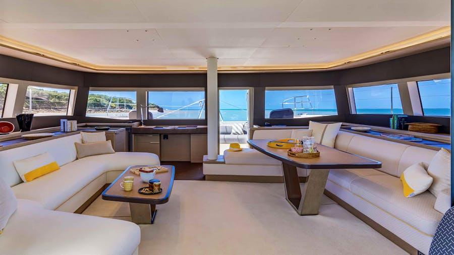 AEOLUS Yacht