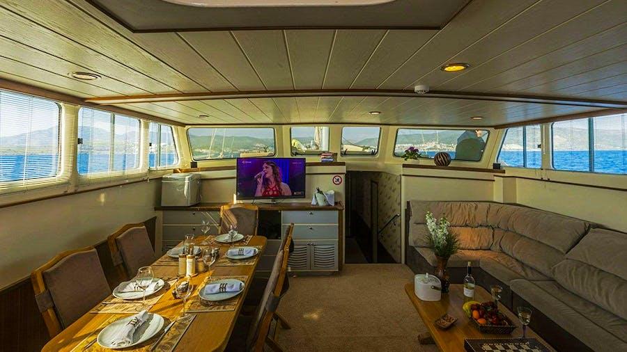ECE ARINA Yacht