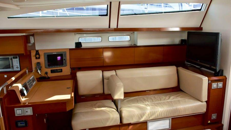 SUNBIRD Yacht