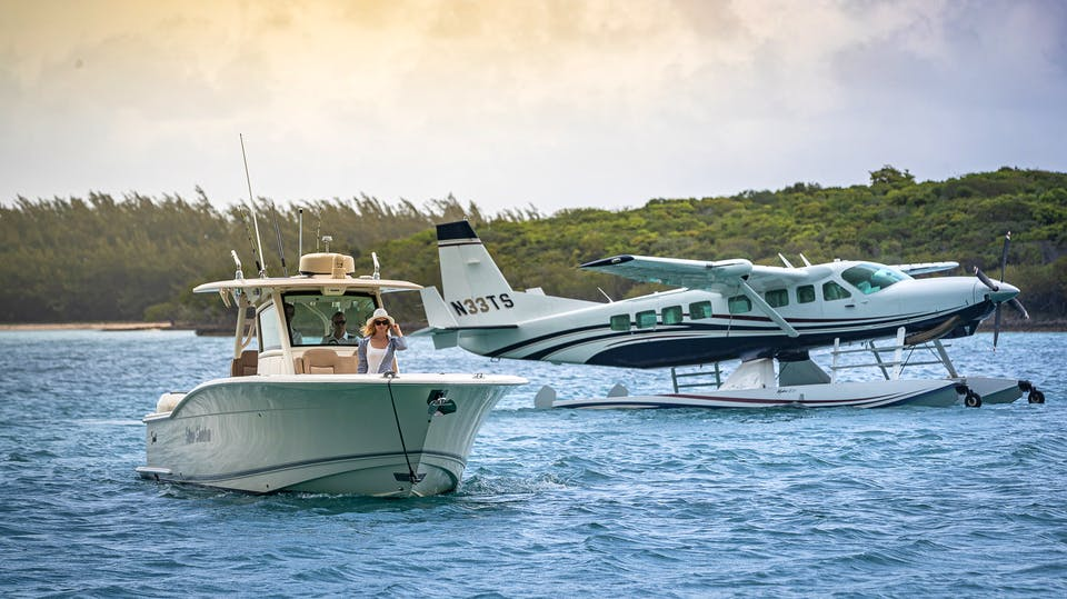 Seasonal Rates for SILVER LINING Private Luxury Yacht For Charter