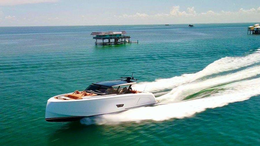 58 Vanquish  Yacht