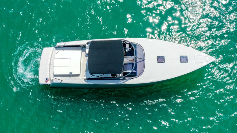 55 Van Dutch  Yacht