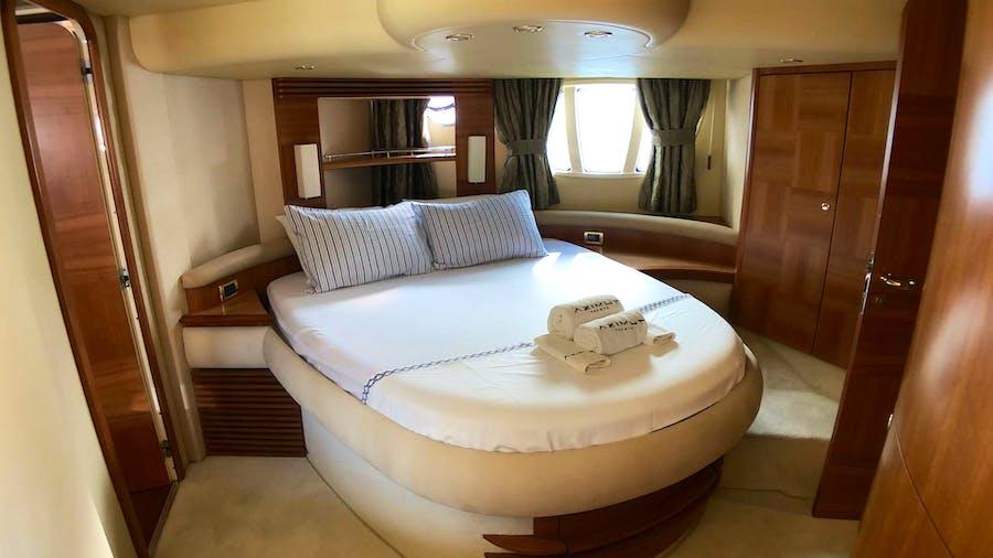 COSMOS Yacht