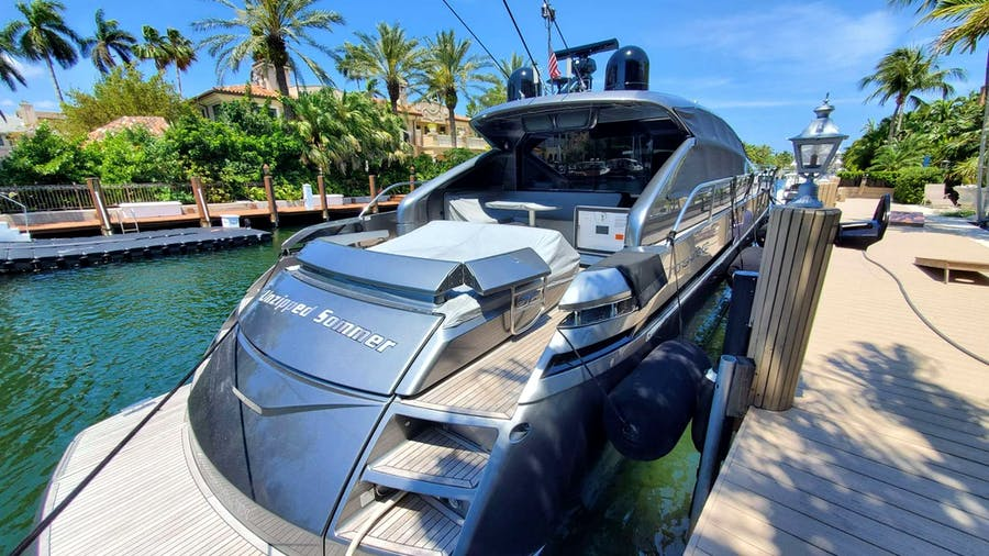 UNZIPPED SUMMER Yacht
