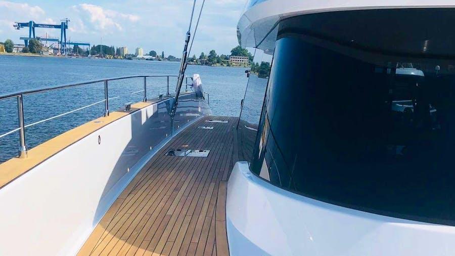 80 7X Yacht