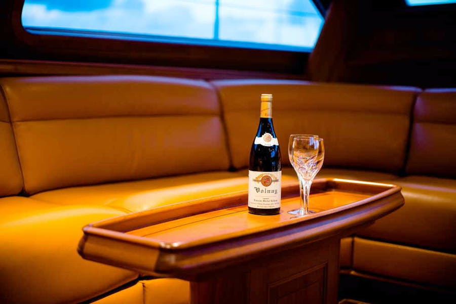 Features for BLUE TOO Private Luxury Yacht For sale